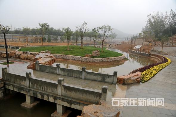 石家庄动物园新增湿地景观供游客休闲