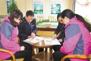 石家庄新乐市税务人员解读税收政策 图